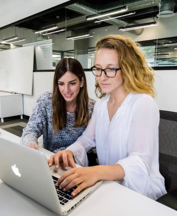 Colaborando en Oficinas